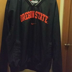 Nike, Oregon state size L with pockets